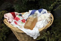 DIY: Natural homemade laundry soap recipes.