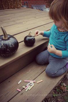 DIY: Chalkboard Pumpkin via @Lacy Stroessner