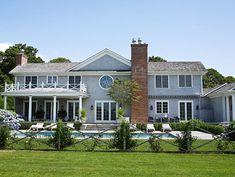 East Hampton summer home. Peaceful weekend retreat. Photo: Tria Giovan