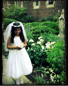 First Holy Communion Gift Guide for Girls from The Catholic Company blog.  *Alice!*