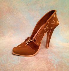 Clothing / Shoe / Purse Cakes - Fondant/gum-paste shoe cake topper