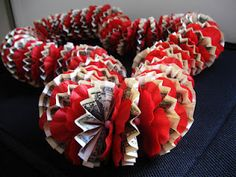 Good tutorial for how to make a money lei for a grad gift or for any special gift giving event.