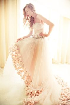 #weddingdress Photography by Robin Alfian