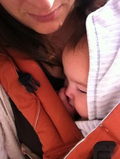 Close, comfy and safe. Do you know why you should wear your baby facing IN?  @Boba #FreedomTogether #ad #babywearing