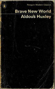 """Dirigida por Leslie Libman, Larry Williams en 1998. Basada en la novela de Aldous Huxley, describe una horripilante sociedad futura que utiliza todos los medios de la ciencia y la técnica (incluidas las drogas) para el condicionamiento y el control de los individuos. En ese mundo el amor es un concepto ridículo, la figura de Dios se ha sustituido por la del arquitecto de ese sistema, Ford, y los niños son concebidos en probetas genéticamente condicionados para pertenecer a una de las 5 categorías de población; de la más inteligente a la más estúpida: los Alpha (la élite), los Betas (los ejecutivos), los Gammas (los empleados subalternos), los Deltas y los Epsilones (destinados a trabajos arduos). Bernard Marx, un Alfa que ha desarrollado una actitud rebelde al ser rechazado socialmente por no tomar soma y ser más bajo que los demás Alfas (por un supuesto fallo durante su gestación), va con Lenina Crowne a visitar una reserva natural de Malpais, cuyos habitantes no siguen el proceso de selección eugenésica y condicionamiento. En aquel grupo de """"salvajes"""" conocen a John, un chico concebido de forma natural por una mujer """"civilizada"""" que se perdió en aquella región, por lo que el joven también ha sufrido el rechazo de los que le rodeaban. A Bernard se le ocurre la idea de llevarse a John al mundo """"civilizado"""" para hacerles ver a los que se burlan de él que es posible vivir sin drogas, sin Ford y sin manipulación genética. (FILMAFFINITY)"""
