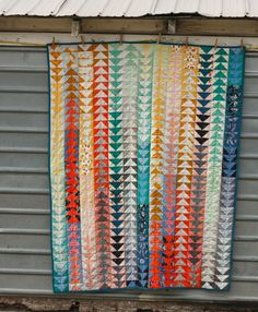 eleph stitch, textile patterns, color combos, colorful quilts, flying geese quilt, fli gees, blue elephant stitches, triangl, gees quilt