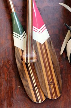 Pink and green oars