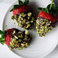 Chocolate pistachio dipped strawberries