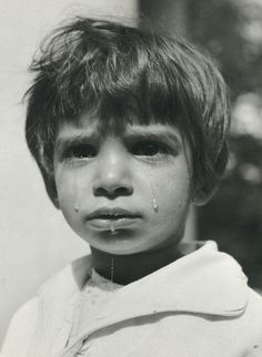 Werner Bischof, Girl crying,1947