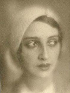 The Flapper Girl: Jacques-Henri Lartigue, Renée Perle, 1930-1932