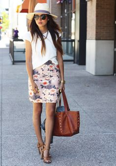 Fitted floral skirt + a white tee and fab hat. Love this summer look.