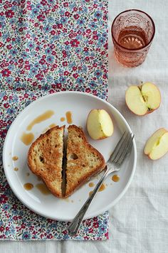 Sweet Honey-Pomegranate Grilled Cheese. #food #sandwiches #lunch