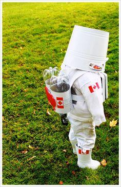 Astronaut Costume. 10 DIY Kids Halloween Costumes