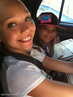 Maddie and Mackenzie Ziegler<3