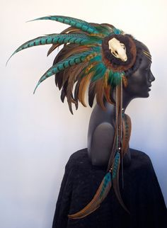 Asymmetrical Skull & Feather headresss........... how amazing would this be for a halloween costume