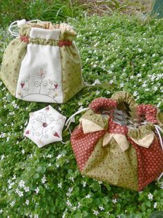 FABulous Home Sewn Perfect Petal Purse PDF Sewing Pattern