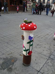 Grandmas Grapevine - Cuttest Yarn Bombing #wool #yarn #knitting #knit