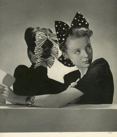 Two eye-catchingly wonderful bow adorned 1940s hairstyles. #vintage #1940s #hair