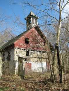 I believe this is an old church outside of Zanesville, Ohio