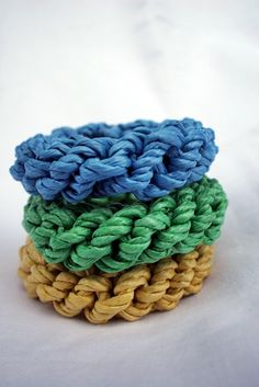 "Make designer-inspired ""straw"" bangles Tutorial"