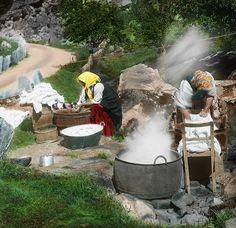 Clothes washing by Fylkesarkivet i Sogn og Fjordane, via Flickr