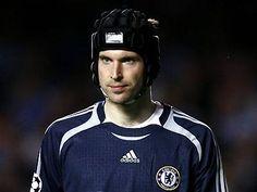 Petr Čech, alias La garza. Checo, juega en el Chelsea F.C, y mide 1,96 metros! Super alto!