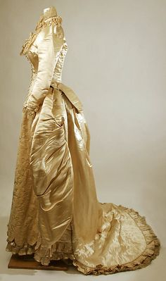 1884 ___ Wedding Dress ___ silk, cotton ___ American ___ at The Metropolitan Museum of Art ___ photo 2