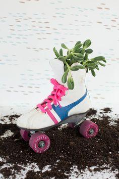 a vintage planter DI