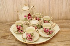 Vintage Childs Tea Set