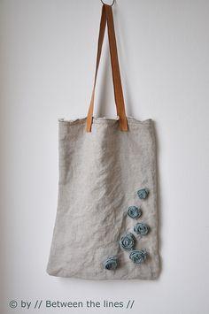 fabric roses - DIY Gift Ideas | Flickr: Intercambio de fotos