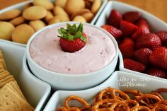 Skinny Strawberry Cheesecake Dip