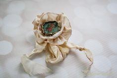 Rose frame Pin