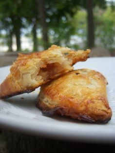 Apple cinnamon hand pies... baked... the most flaky crust... chilling is the secret to that