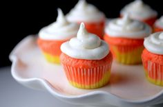 Candy Corn Cupcakes! Love these for Halloween parties!!