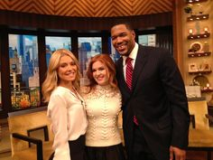 The gorgeous Isla Fisher on #KellyandMichael