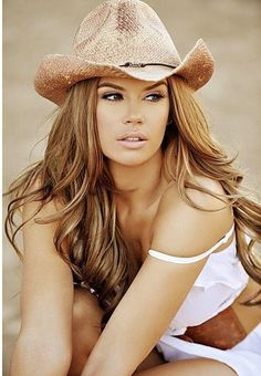 cowgirl hat, cowgirls, hair colors, layered hairstyles, long hairstyles, jessa hinton, makeup, country girls, beauti
