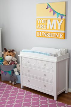My nursery craft project: Sunshine wall art #dreamnurserydecor #DIY #art