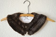 Make a vintage-y detachable faux fur collar Tutorial and 45 BEST Charming Lifestyle DIY & Tutorials EVER.  From MrsPollyRogers.com