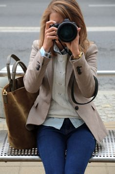 A great color combo - tan blazer, cream cable sweater and chambray. preppy blazer, knit sweaters, tan blazer, camera, cream sweater outfits, cabl sweater