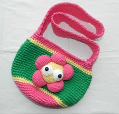 I turned Flower Power pattern from Design your own monster class in this Flower Purse!!!.