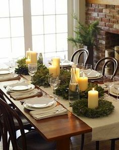 Simple Christmas Table Setting!