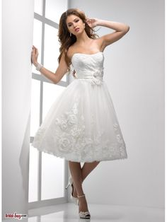 Short Wedding Dresses with Ivory  Handmade Flower-embellished