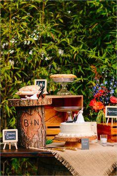 cake table http://www.weddingchicks.com/2013/10/25/easy-going-wedding/