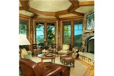 Beautiful living room, such a spectacular ceiling
