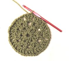 How to #Crochet a Granny Circle