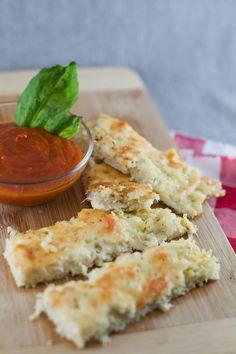 """Cauliflower Garlic Cheese """"Bread"""" Sticks"""