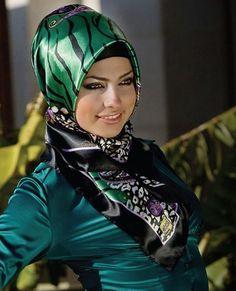 turkish hijab style, muslim women clothing, headscarf style,