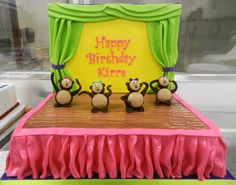 Dancing monkeys birthday cake