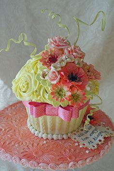 cupcake bouquets, girl birthday, cake flowers, flower cakes, girls birthday parties, flower cupcakes, giant cupcakes, cupcake cakes, mini cakes