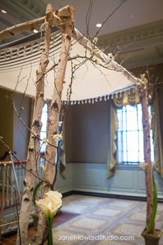 Simply decorated Chuppah www.themodernjewishwedding.com